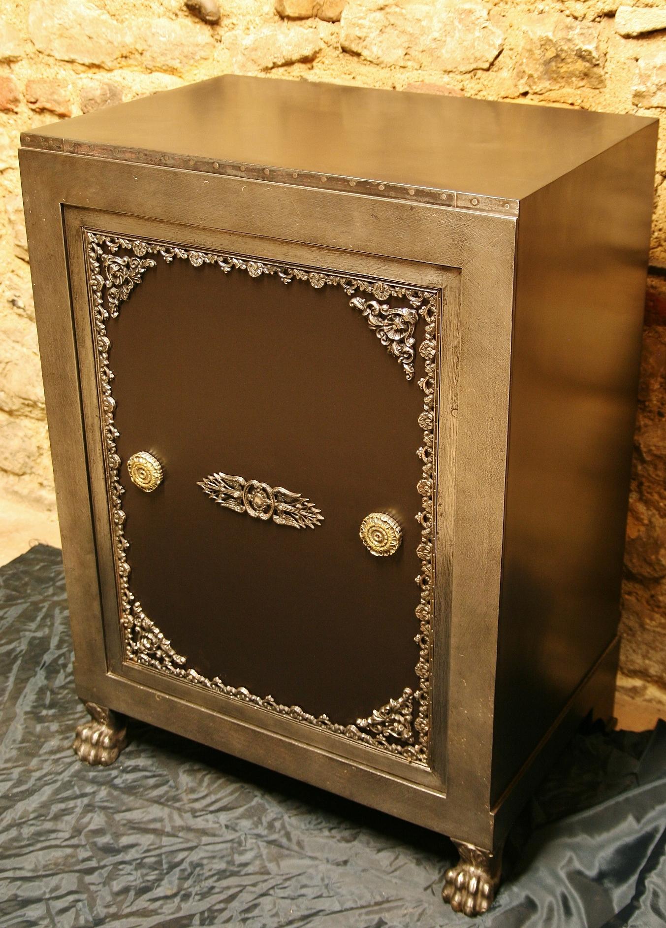 antica cassaforte, antiker Tresor, antique safe